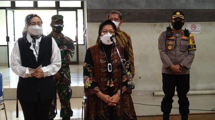 Mensos Salurkan Bantuan Beras 15 Ton Untuk Masyarakat Terdampak Penerapan PPKM di Purwakarta.