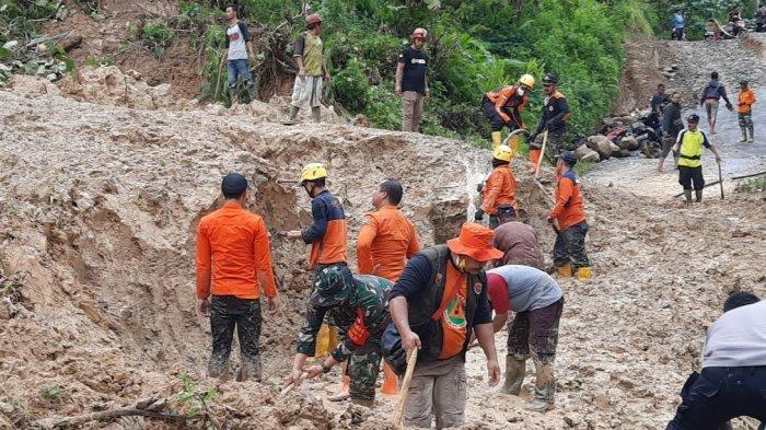 Jalan Alternatif Tasikmalaya-Pangandaran Terputus Longsor, Pemulihan Terkendala Cuaca dan Peralatan
