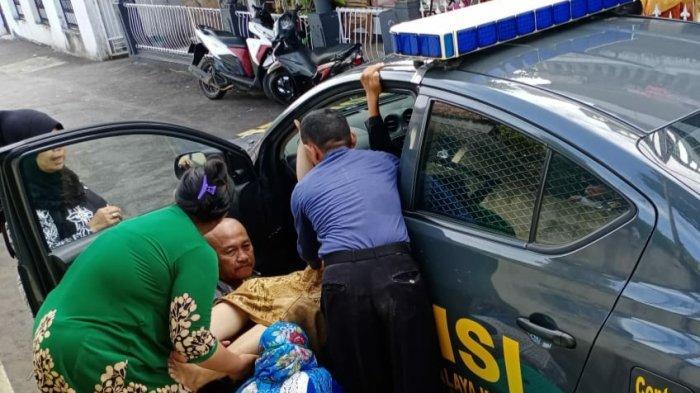 Meski Dadakan, Persalinan Ibu Muda di Mobil Patroli Polisi Tetap Tertutup, Pakai Etika dan Norma