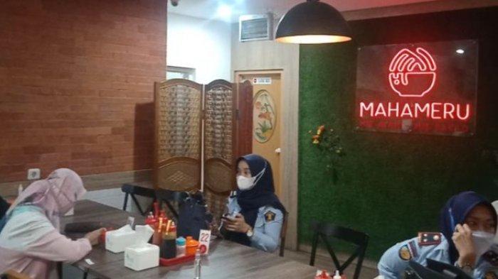 KULINER, Mi Viral karena Porsi Besarnya di Bandung, Wajib Anda Coba!