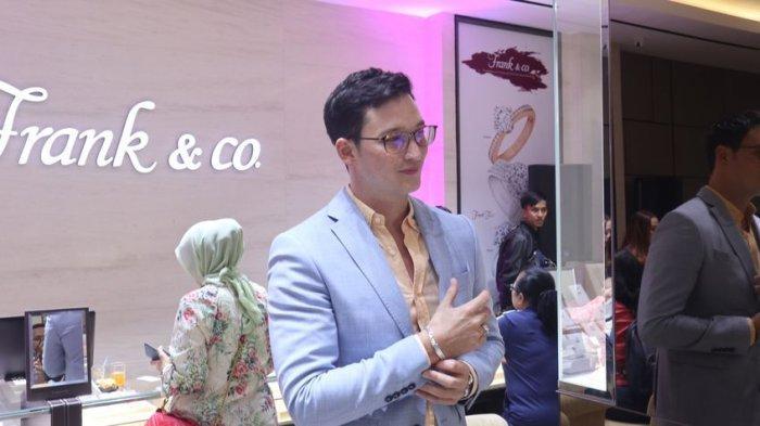 Senang Menggunakan Perhiasan, Mike Lewis Pun Hadir di Pembukaan Gerai Frank & Co di Bandung