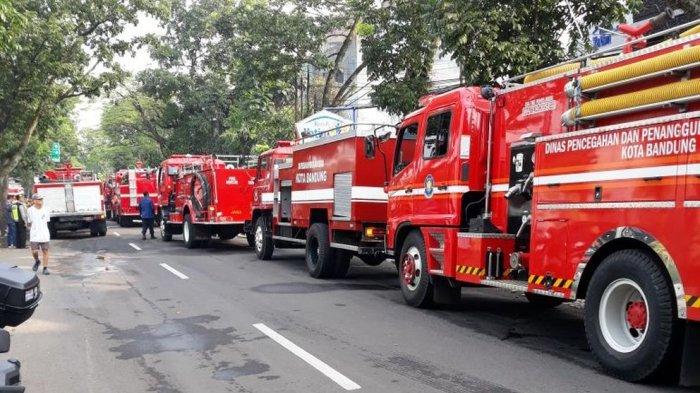 Tak Libur, 120 Personel Damkar Bandung Siaga Saat Lebaran