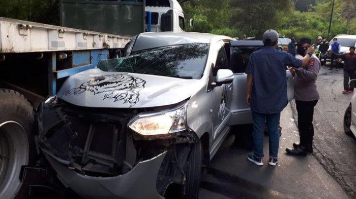 Kecelakaan di Malangbong Garut, Minibus Rusak Berat Setelah Sopir Nekat Menyalip di Area Blind Spot