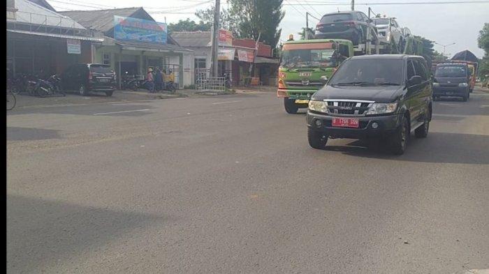 Mobil Pelat Merah Terpantau Membaur Bersama Pemudik di Jalur Pantura Indramayu
