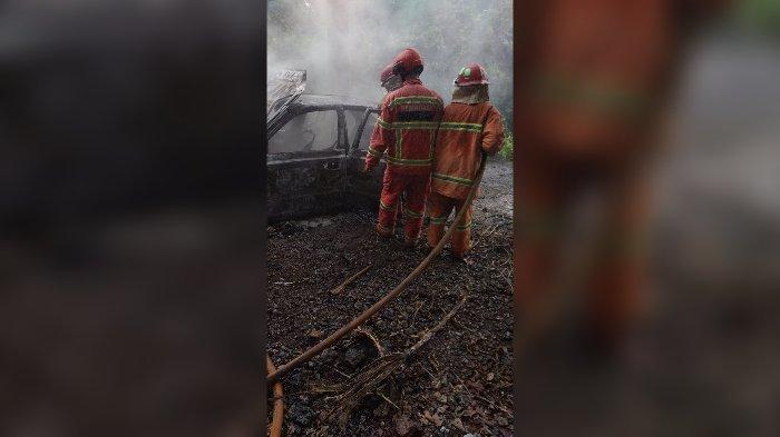 Mobil Sedan Terbakar di Tanjakan Cikawung Ciamis, Sopir Alami Luka Bakar, Mobil Sempat Mogok