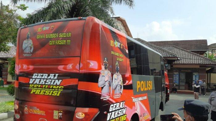 Kota Tasikmalaya Kini Punya Mobil Vaksinasi Keliling, Sulap Bus Milik Polres, Jemput Bola ke Warga