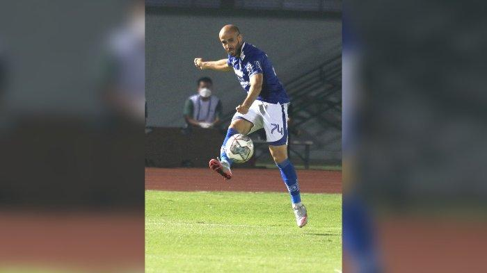 Marc Klok Absen Saat Persib vs Bhayangkara FC, Begini Komentar Mohammed Rashid