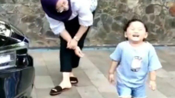 Momen Bahagia Bupati Purwakarta Anne Ratna Mustika dengan Sang Buah Hati Hyang Sukma Ayu