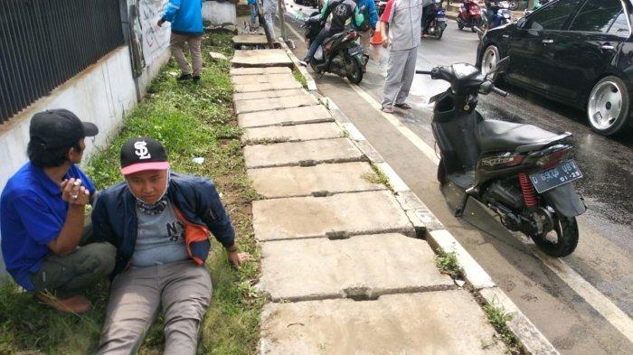 10 Pengendara Motor di Cimahi Tiba-tiba Terjatuh, Ada Tumpahan Oli di Jalan, Hati-hati