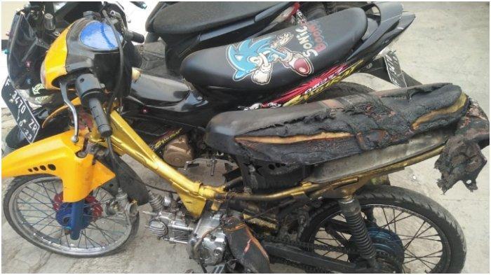 Viral Pemuda Bakar Motor Depan Polisi, MH Baru Beli Motor dan Dikenal Tempramental