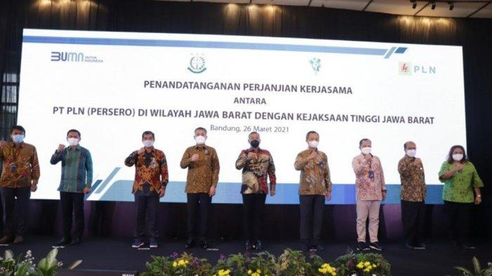 Pastikan Kepatuhan Hukum di Lingkup Perusahaan, PLN Wilayah Kerja Jabar MoU dengan Kejati Jawa Barat