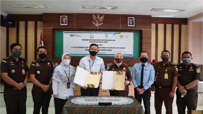 Perusahaan Listrik Negara Unit Pelaksana Pelayanan Pelanggan (PLN UP3) Cimahi akhirnya menandatangani MoU kerjasama dengan Kejari Cimahi