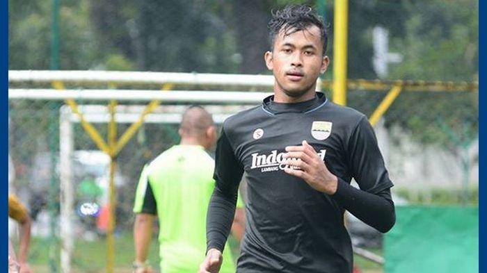 Muhammad Aqil Savik, kiper timnas U-19 yang kini mengikuti TC bersama Persib Bandung.