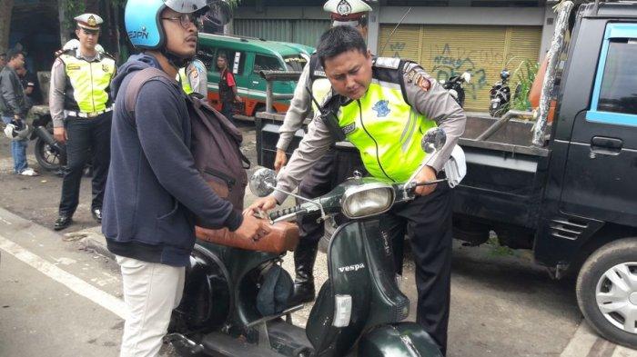 Terjaring Operasi Zebra Lodaya, Pria Ini Malah Jaminkan Barang Pacarnya ke Polisi