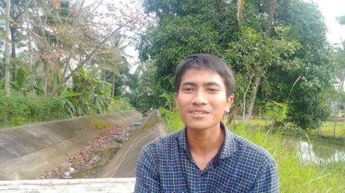 Ramdhan, Mahasiswa Unpad yang Berprestasi Tak Gengsi Cari Tambahan Biaya Kuliah Meski Jadi Kuli