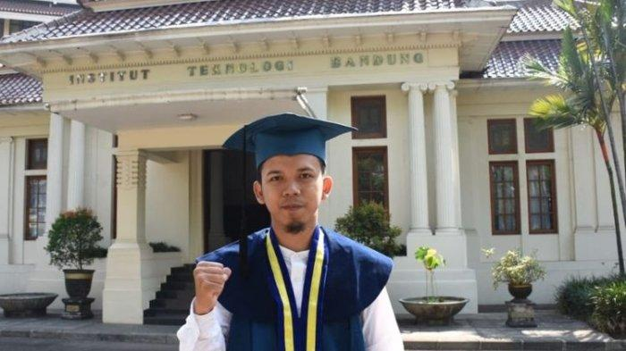 Kisah Muhammad Reza, Anak Sopir dari Bandung, Lulusan Terbaik ITB IPK 3,98, Tiap Hari Bekal Rp 5.000