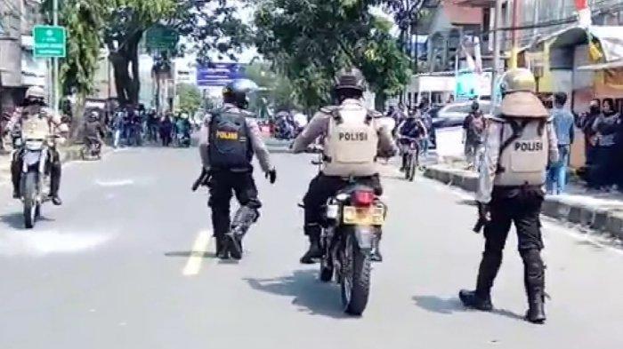 Delapan Polisi yang Amankan Aksi Unjuk Rasa Tolak UU Cipta Kerja Dinyatakan Positif Covid-19