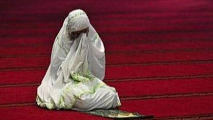 Hukum Itikaf 10 Hari Terakhir Puasa Ramadhan untuk Perempuan, Ini Penjelasan Kata Ustaz Adi Hidayat