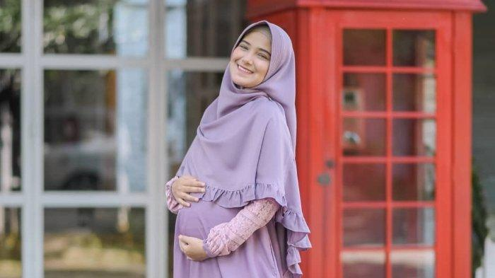 Nadya Mustika Istri Rizky DA Melahirkan di Bandung, Sang Suami Tak Bisa Mendampingi