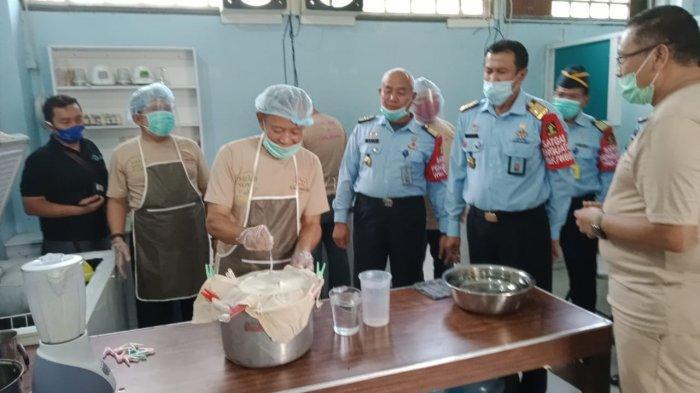 Menengok Dapur Bread Poin, Narapidana Korupsi dan Pidana Umum Jadi Koki Pabrik Roti Lapas Sukamiskin