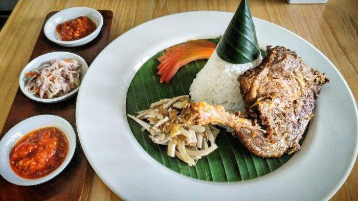 Mencicipi Gurih dan Garingnya Nasi Bebek Crispy Tegalinggah Khas Bali di Laxmi Resto Gallery Bandung