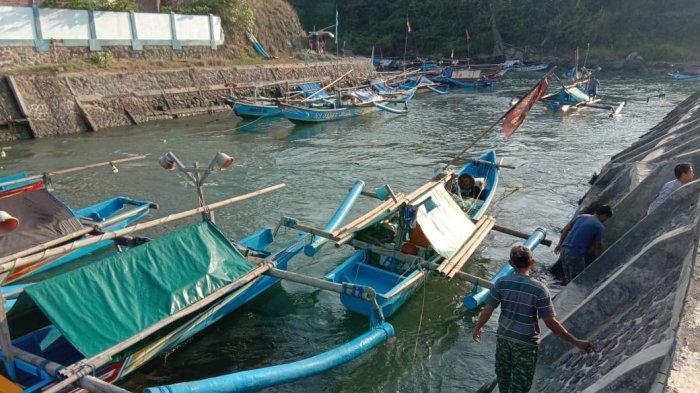 Ikan-ikan Tangkapan Nelayan Cidaun Membusuk Karena Tidak Ada Pembeli