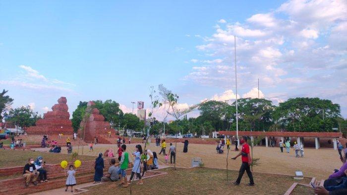 Selesai Dipercantik, Alun-alun Kejaksan Cirebon Semakin Jadi Tempat Favorit Warga Ngabuburit