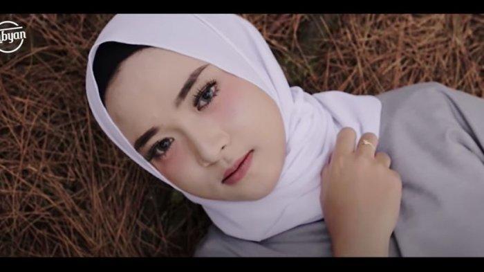 Apa Itu Gelay Dimata Anak Muda Bandung? Geli Atau Gak Like Versi Nissa Sabyan, Ini Fakta di Lapangan