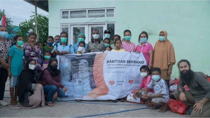 Masjid Nusantara Bersama Rumah Zakat Pasok 700 Paket Sembako untuk Korban Bencana NTT