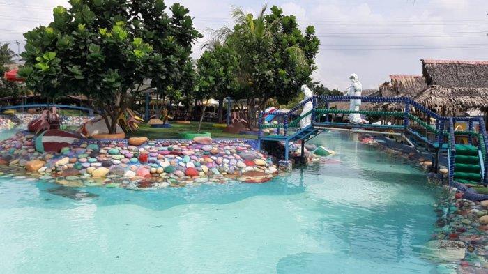 Objek wisata Cikaopark Purwakarta disemprot disinfektan