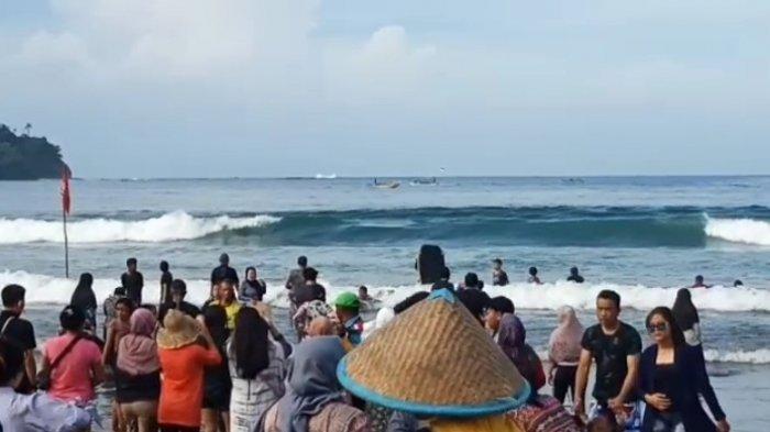 Bupati Ancam Tutup Pantai Pangandaran Gara-gara Banyak Wisatawan Tak Patuh Prokes