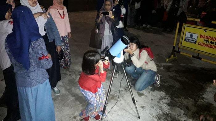 Peserta Even Observasi Gerhana Bulan Total di Sabuga ITB Membludak, Ternyata Ini Tujuannya