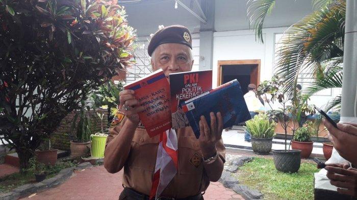 VIDEO: Pengacara OC Kaligis Buka-bukaan Tentang Peradilan di Indonesia dalam Tiga Buku Karyanya