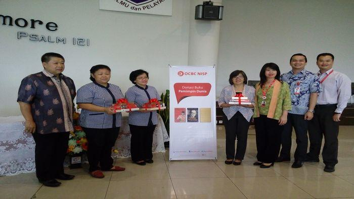 Tingkatkan Minat Baca, OCB NISP 1750 Buku Soekarno dan Lee Kuan Yew