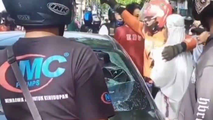 Kecelakaan, Sedan Hitam di Bandung Kabur Lalu Dikejar, Driver Ojol Rangkul Pengemudi saat Berhenti
