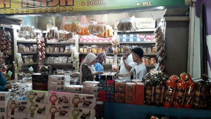 Berkah Lebaran, Omzet Pedagang Oleh-oleh di Terminal Leuwipanjang Meningkat