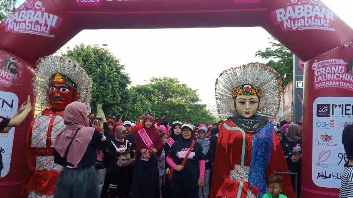 Ondel-ondel Pimpin Ribuan Peserta Fun Walk Rabbani Nyablak di Depok