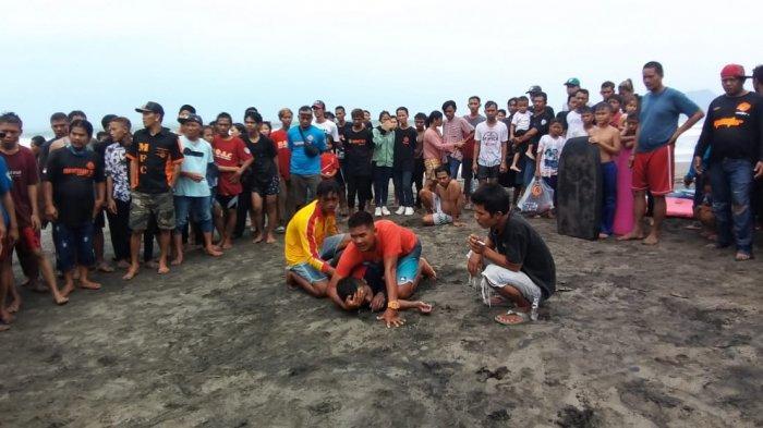 ORANG BANDUNG Kritis, Sempat Hilang Terbawa Arus Laut, lalu Dihempaskan oleh Ombak ke Pantai