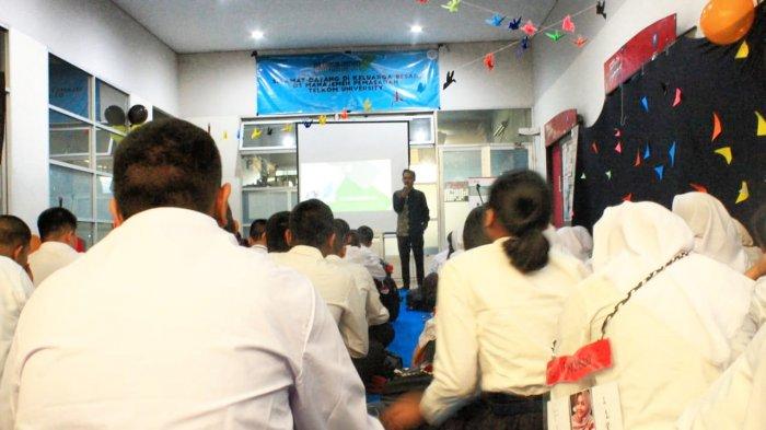 Mahasiswa BaruD3 Manajemen Pemasaran Universitas Telkom Disambut Pesta