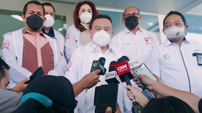 Wakil Ketua DPR RI, Sufmi Dasco Ahmad, saat meninjau pabrik obat Kimia Farma bersama jajarannya, yang berada di Arjasari, Kabupaten Bandung, Kamis (29/7/2021).
