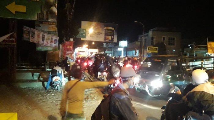 Malam Takbiran Kepadatan Lalu Lintas Terjadi di Perbatasan Kota dan Kabupaten Bandung