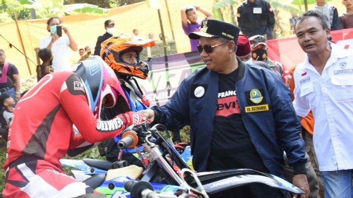 Antisipasi Balap Liar serta Naikkan Imun, Pak Uu Ajak Anak Muda Ikut Ajang Grass Track