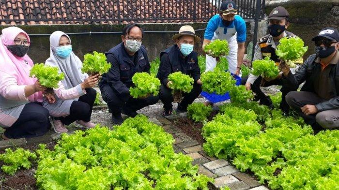 Milan Lirik Kota Bandung, Gegara Program Unggulan Ini