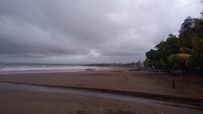 Ratusan Wisatawan Gagal Masuk Pantai Pangandaran, Banyak yang Kendaraannya Penuh Penumpang