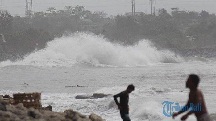Prakiraan Cuaca Hari Ini, BMKG: Waspadai Gelombang Tinggi Hingga 6 Meter