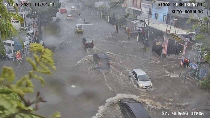 Kota Bandung Dilanda Banjir di 26 Titik Kemarin, Oded M Daniel Minta Warga Miliki Ini di Rumahnya