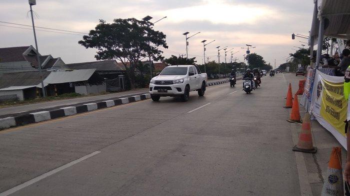 Jalur Pantura Indramayu Ramai Lancar Sore Ini, Kendaraan Bisa Dipacu Sekitar 60 Kilometer Per Jam