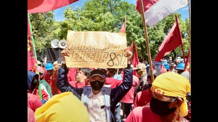 Kecewa Soal Rekomendasi UMK 2021 Tidak Naik, Buruh di Indramayu Sempat Kepung Pendopo