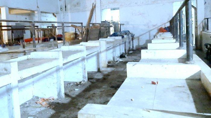 Lama Terbengkalai, Lapak Pedagang Sayur Pasar Senen Purwakarta Masih Kumuh Setelah Ditertibkan