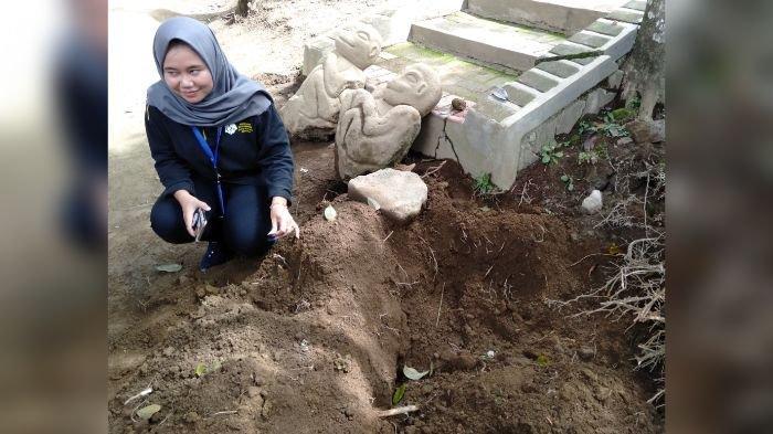 Patung yang Ditemukan di Batu Mahpar Tak Terkubur Dalam, Patung Mirip Monyet Ketemu di Bawah Tangga